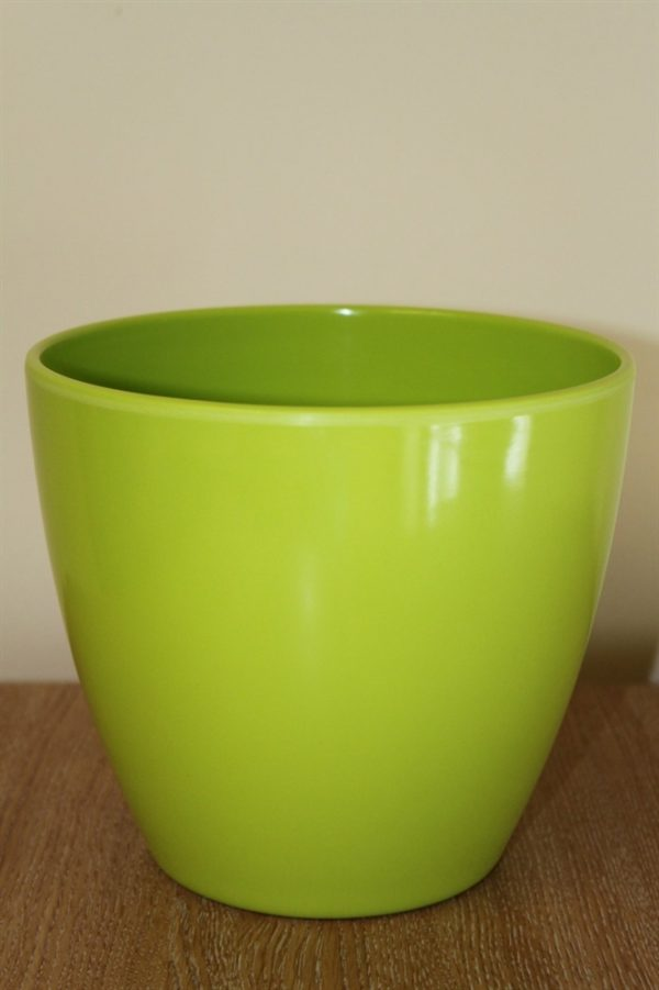 Quality Medium Lime Green Smooth Plastic Plant Pot Cover-Diameter 17cms