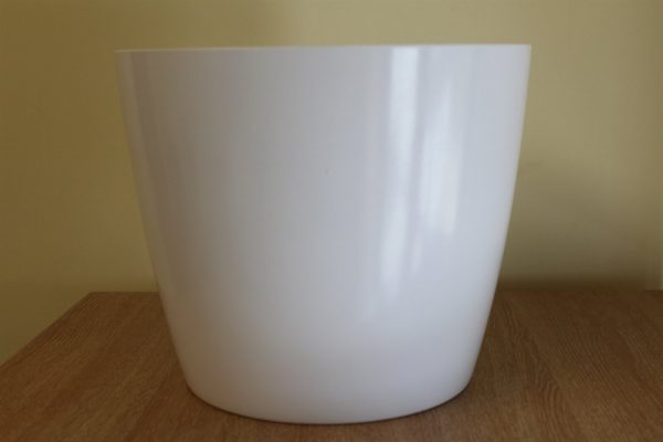 Quality Medium White Smooth Plastic Plant Pot Cover-Diameter 17cms