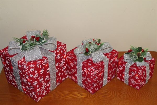 Red Sisal Parcels with Silver Bow-Battery