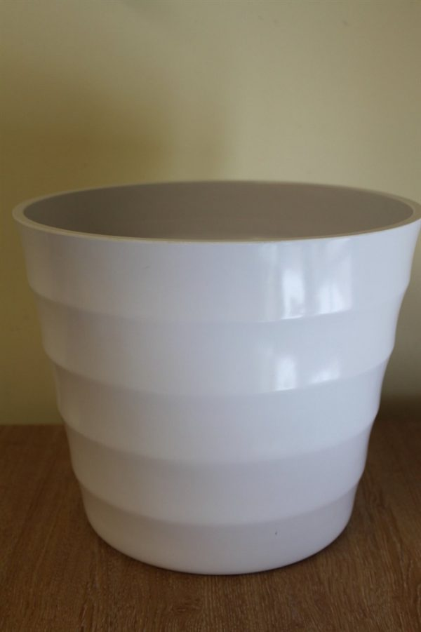 Quality white Rigid Plastic Plant Pot Cover  - diameter: 23.5cm