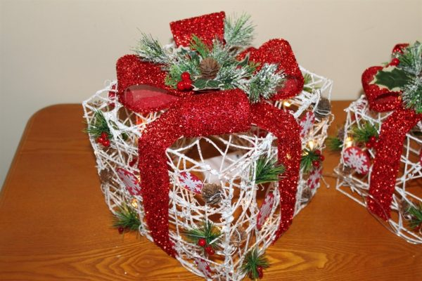 White Rattan Parcels with Red Bow-Battery