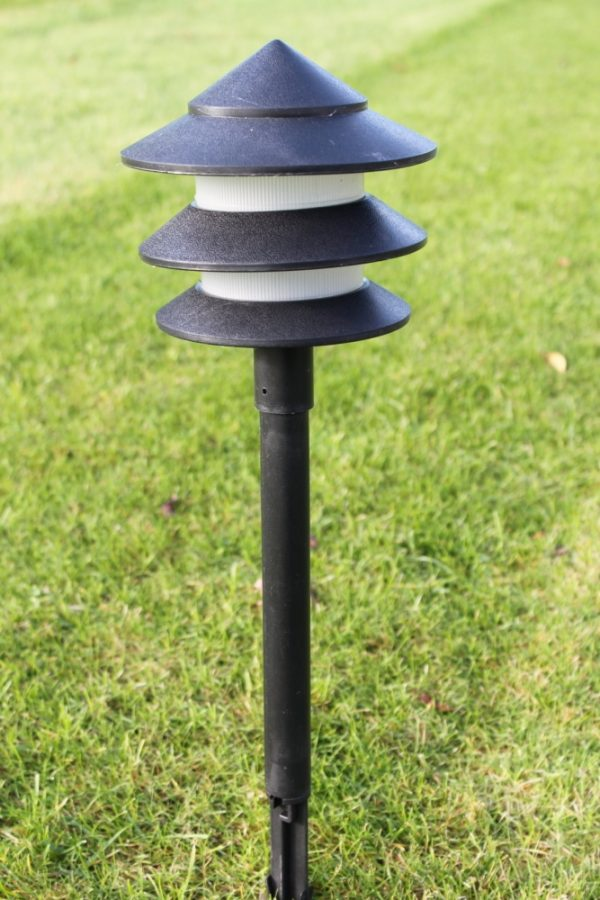 Set of 6 Low Voltage Garden Pagoda Lights Complete With Transformer and Cable